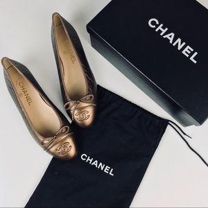 NWT Chanel Bronze Leather CC Toe Cap Flats